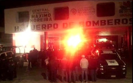 Enfrentamiento de policía y ambulantes en Texmelucan