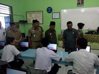 Sidak UNBK SMP, Walikota Mojokerto : Kejujuran Nomor Satu