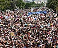 manifestação praça