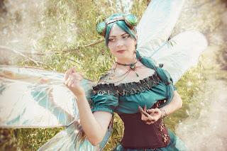 Steampunk Dragonfly Calopteryx vaporis | Photo: Eva Seidel | www.zeitunschaerfe.de
