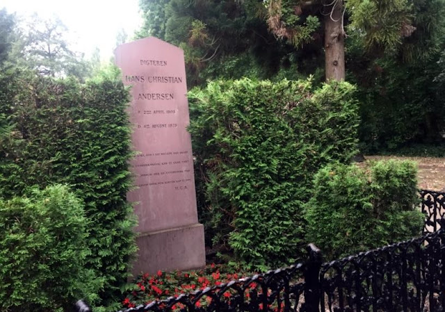 the tomb of a famous writer, Hans Christian Andersen
