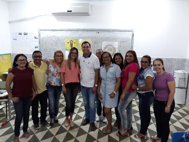 Professores da rede municipal de Delmiro Gouveia passam por formação sobre prevenção da gravidez na adolescência