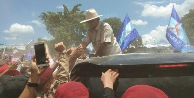 Adzan Berkumandang saat Kampanye di Manado, Prabowo: Ada Kesempatan Saya Ngopi
