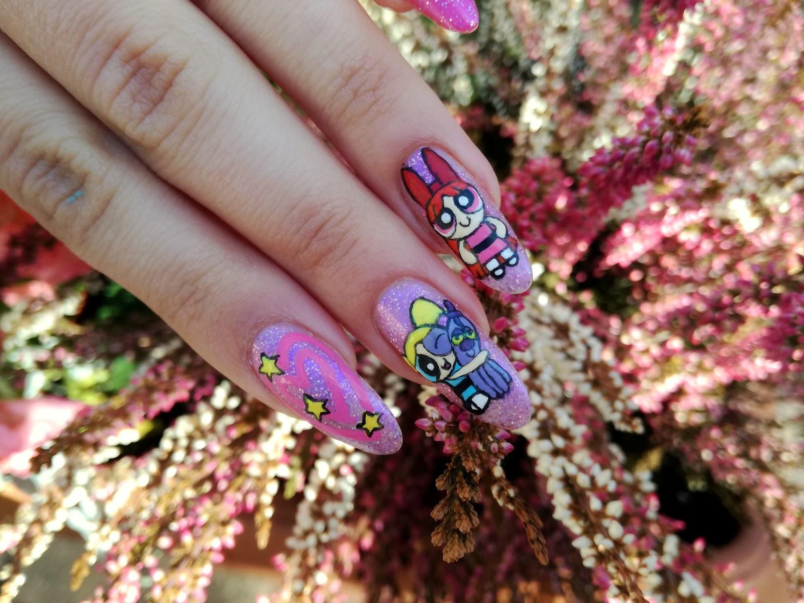 atomówkowe paznokcie