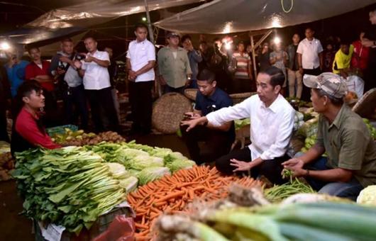 Jokowi: Orang Super Kaya Datang ke Pasar, Enggak Beli Apa-apa Pas Keluar Bilang Mahal