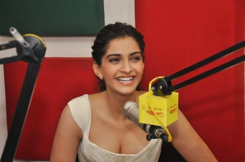 Sonam Kapoor promoting Dolly Ki Doli at radio stations yesterday!