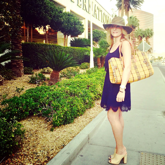 Fashion, fashionblogger, travel, travelblogger, lasvegasstyle, stylechallenge, fiftyandfabulous, fashionover50,ootd,streetstyle, mystyle,trumplasevegas