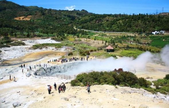 Tempat Wisata Wonosobo - Kawah Dieng