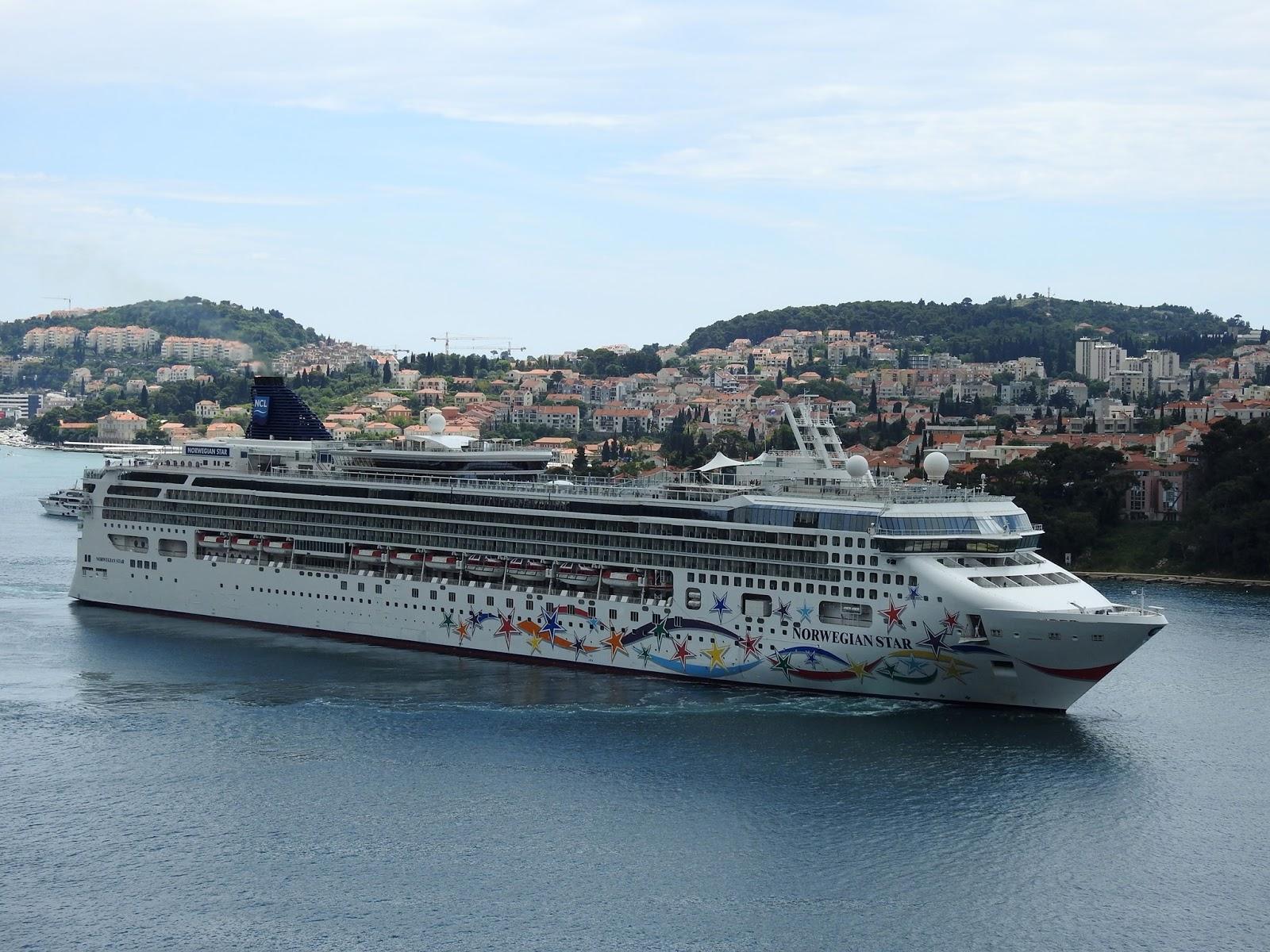 Francois Illas New Tradition: Sergio@Cruises: Dubrovnik Recebe Escala De Cinco Navios De