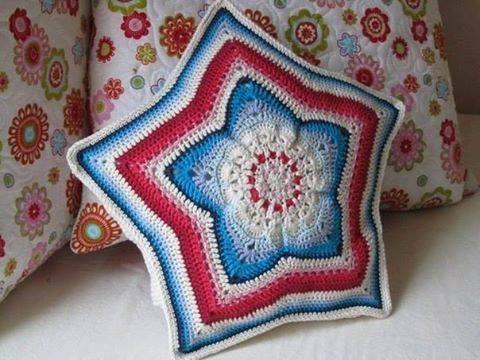 Cojín de Estrella a Crochet