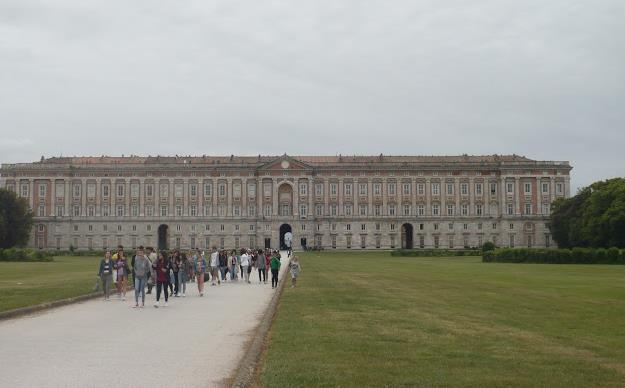 facciata della Reggia di Caserta