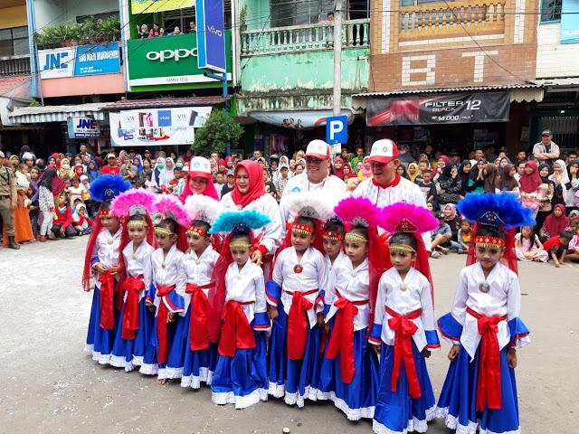 Warna-Warni Hiasi Karnaval Budaya Serasan Sekundang