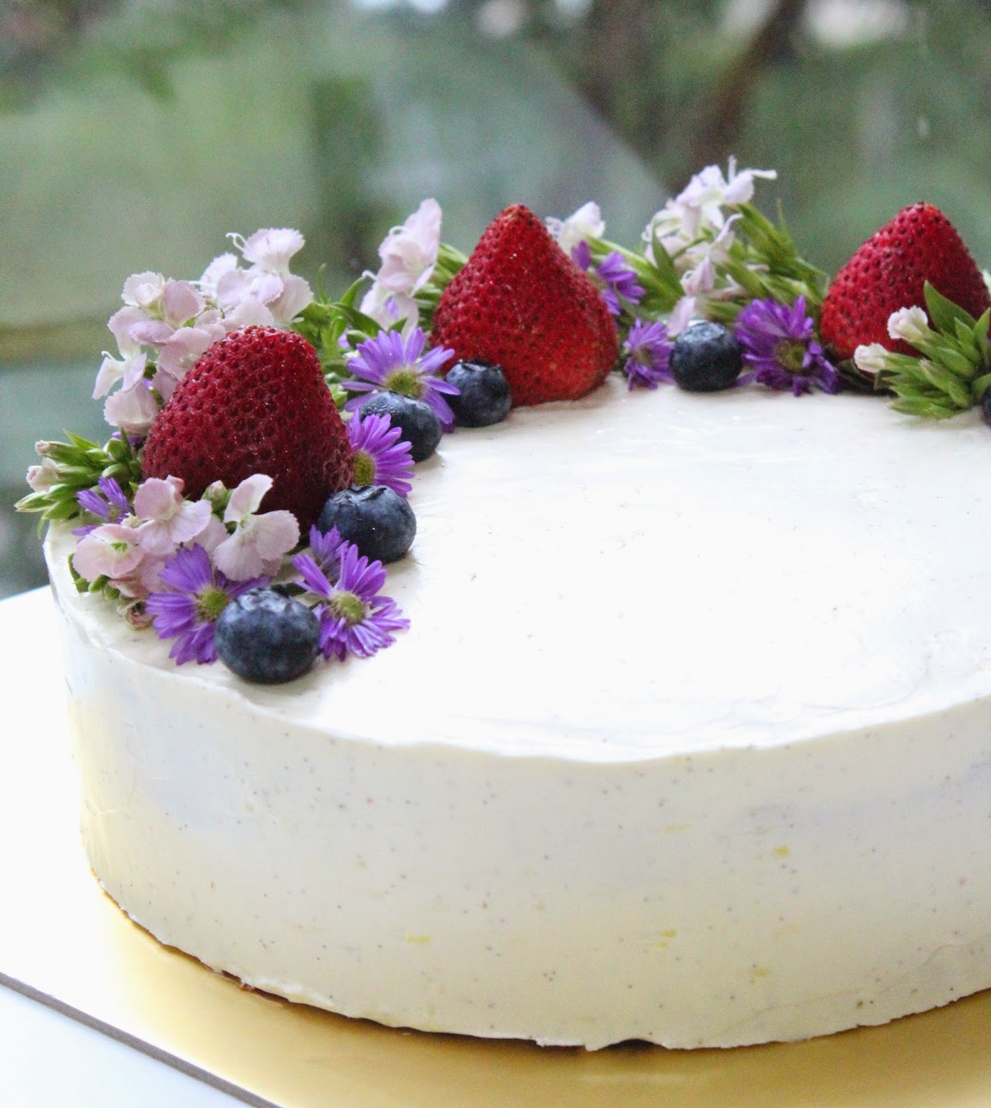 Earl Grey Lavender Cake With Lemon Vanilla Ercream