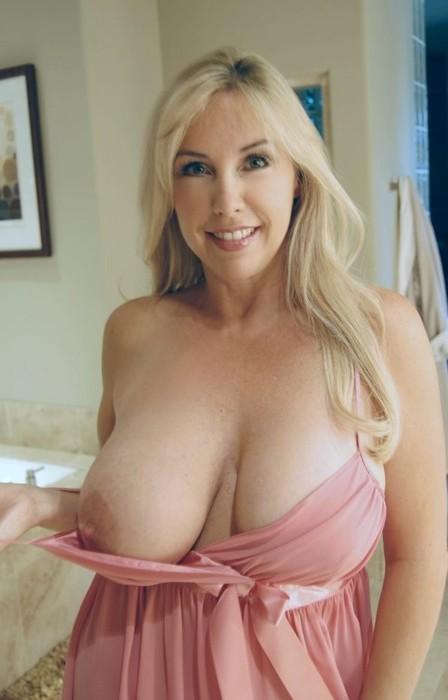 Big Tits Wifey 65