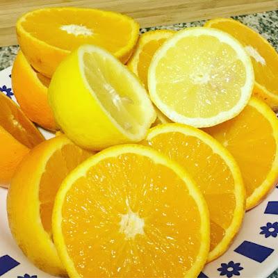 zumo de naranja, desayuno mediterraneo