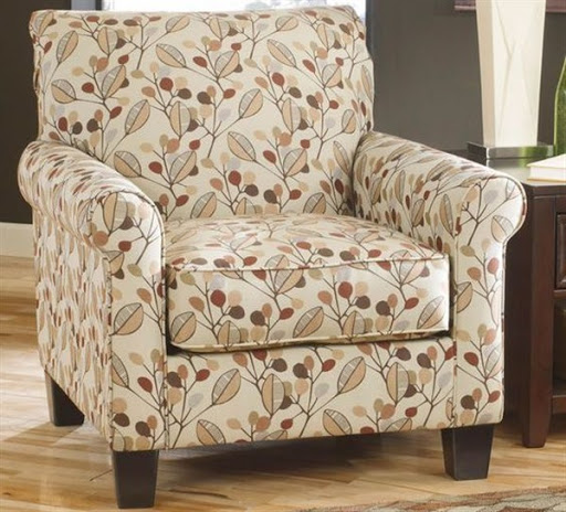 accent chairs with arms clearance