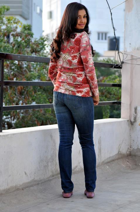Movie actress sanchita shetty nude video - 2 part 7