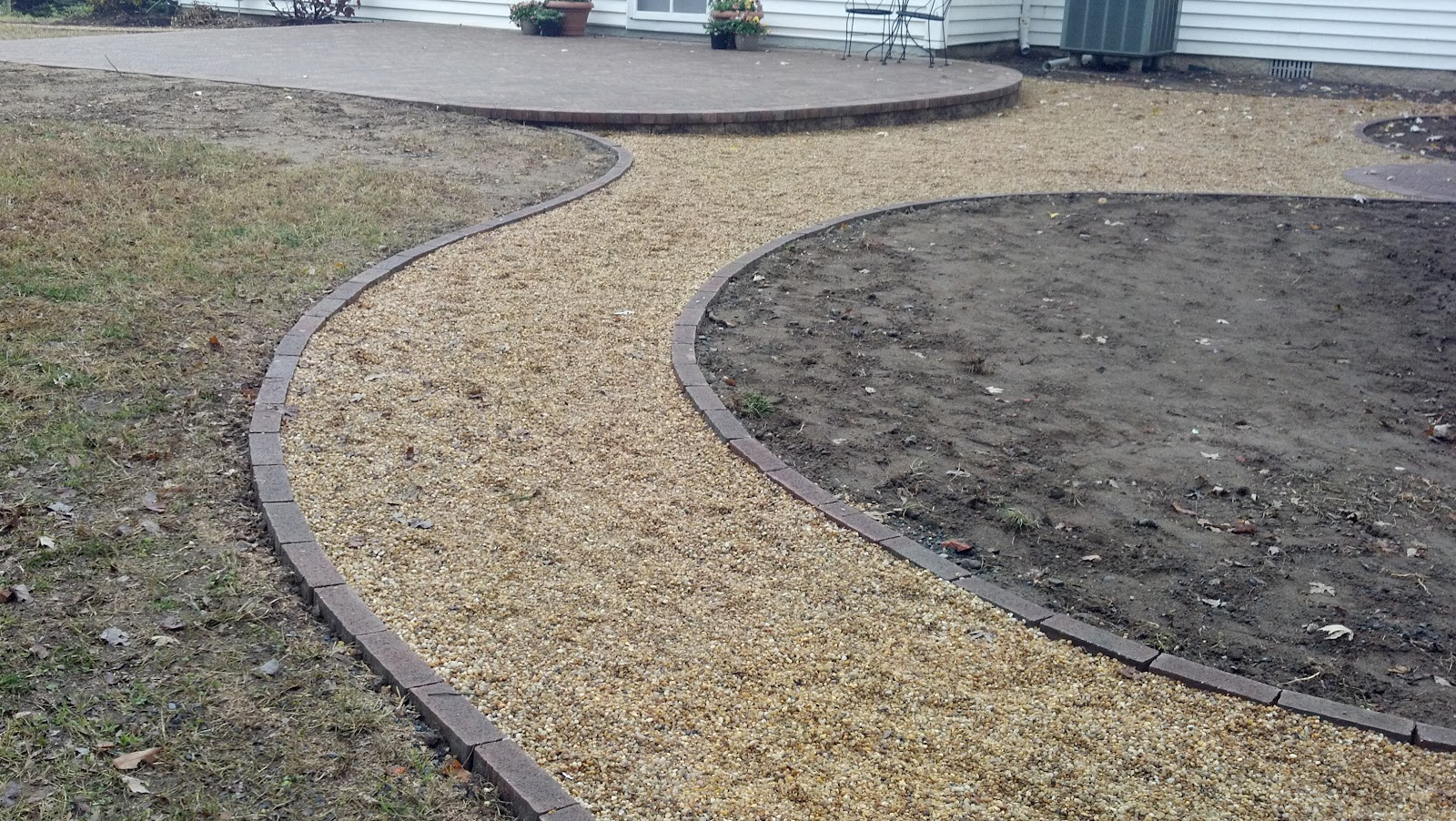 Life Time Pavers: Pea Gravel Patio & Walkways With Brick