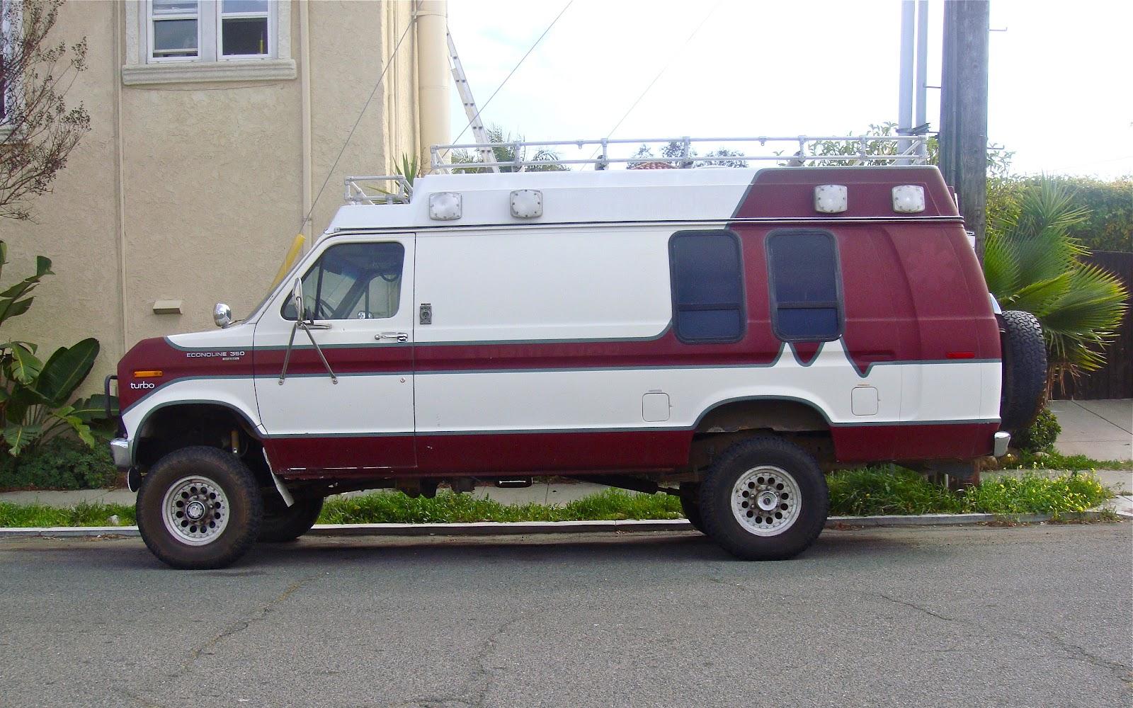 THE STREET PEEP: 1989(?) Ford Econoline 350 Turbo Diesel