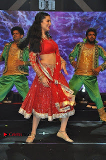Bollywood Actress Model Sunny Leone Dance Performance in Red Half Saree at Rogue Audio Launch 13 March 2017  0074.jpg