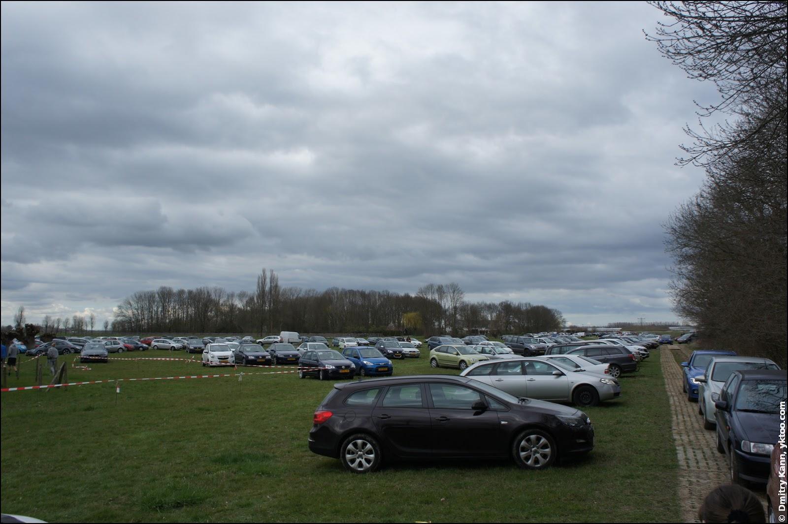 Паркинг в De Haar.