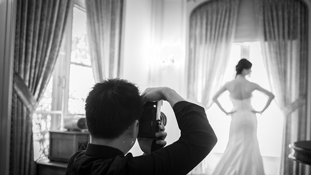 5 Wedding Photographers Reveal Their Biggest Pet Peeves