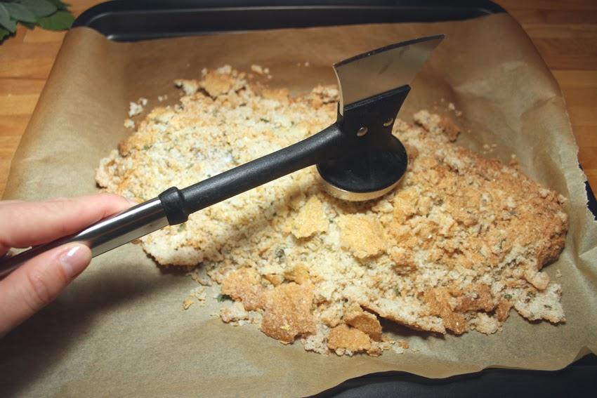 Okoń morski pieczony w skorupie soli