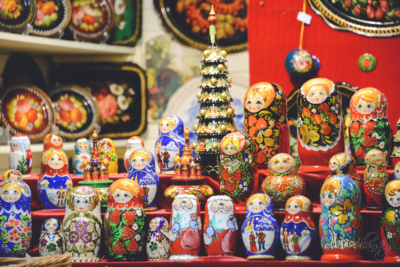 matrioshka russian souvenirs