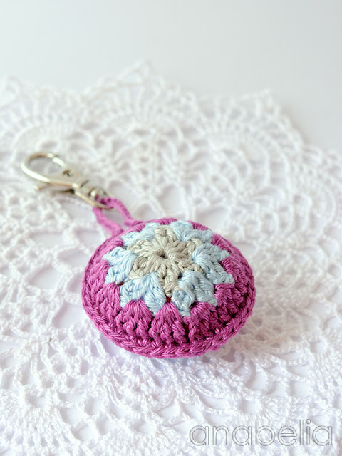 Crochet accent for bags by Anabelia