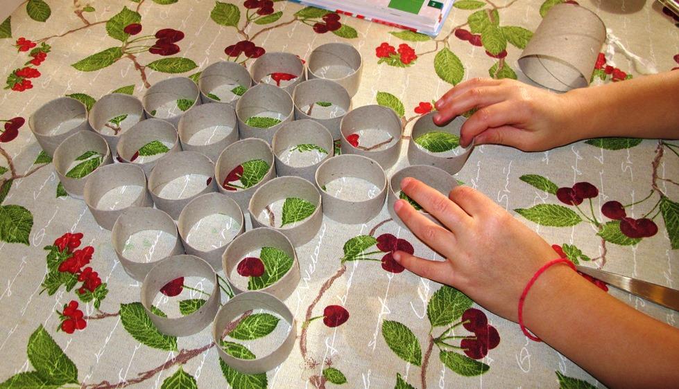 Rotoli Di Carta Igienica Lavoretti Natale : Angolino di liana albero di natale con i rotoli di carta