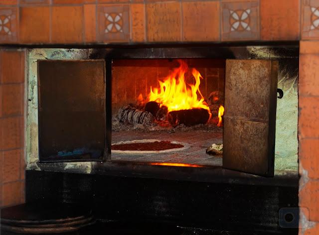 Pizzaria-do-Cica-pizza-forno-à-lenha-massa-integral-Florianópolis-Rio-Tavares-Embarque-Floripa