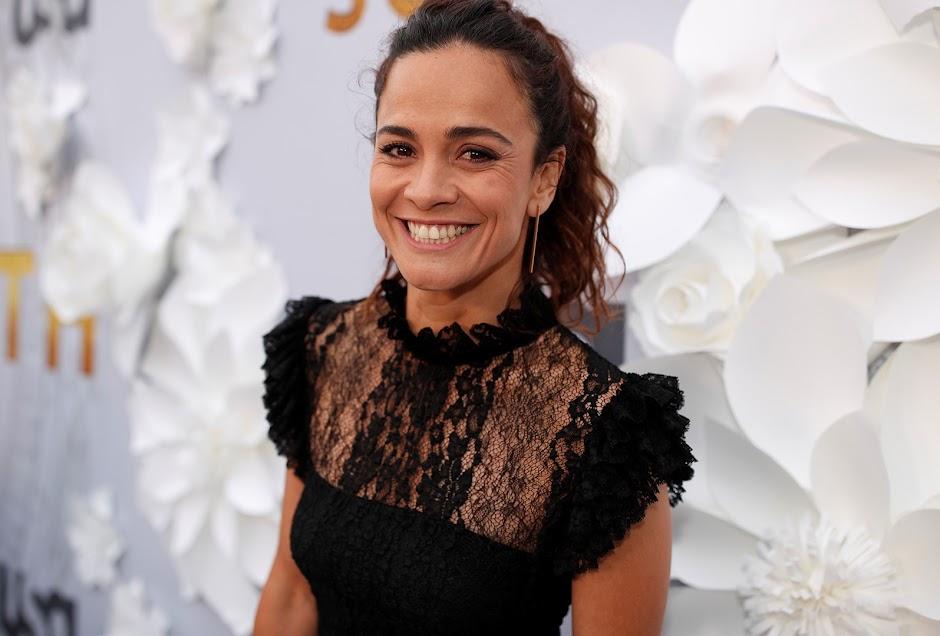 """Alice Braga deve substituir Rosario Dawnson em """"Novos Mutantes"""""""