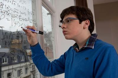 Jake Barnett - autista - pise rovnice fixem na sklo