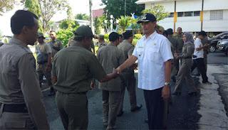 Burhanudin Lepas 70 Anggota Satpol PP Kotabaru