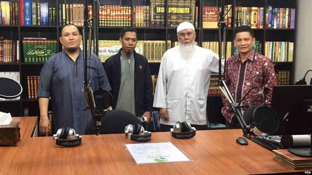 Berkat Radio milik Seorang Habaib, Gerakan Salafi Wahabi Berkembang Pesat di Batam