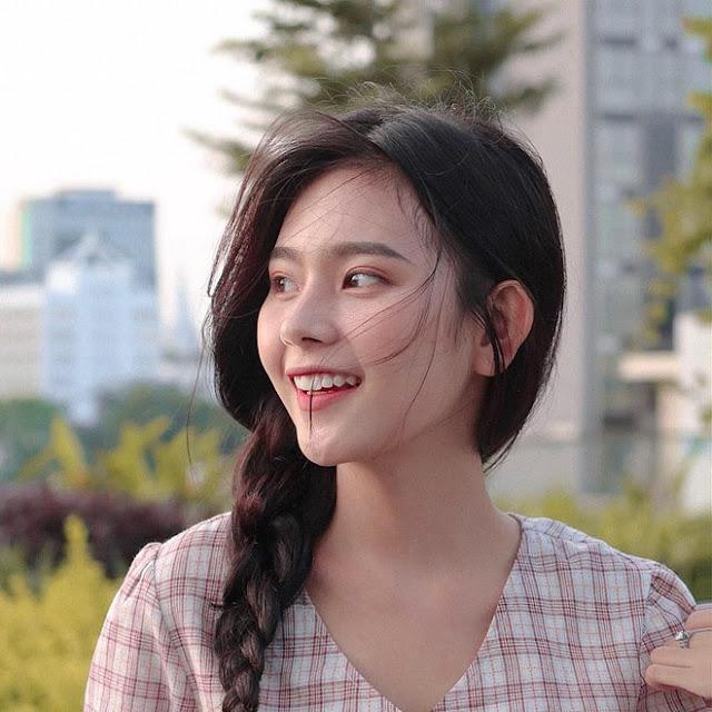 Dàn gái xinh ĐH Kinh tế TP.HCM toàn Hoa khôi, người mẫu nổi tiếng