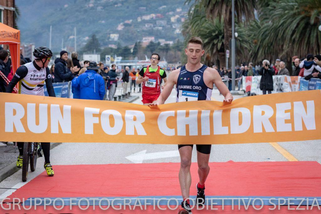 Guidotti Arredobagno La Spezia.Genova Di Corsa 5 Run For Children 3 Dog For Children 7 012 00