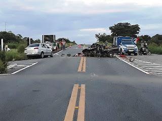 Duas pessoas morrem em acidente