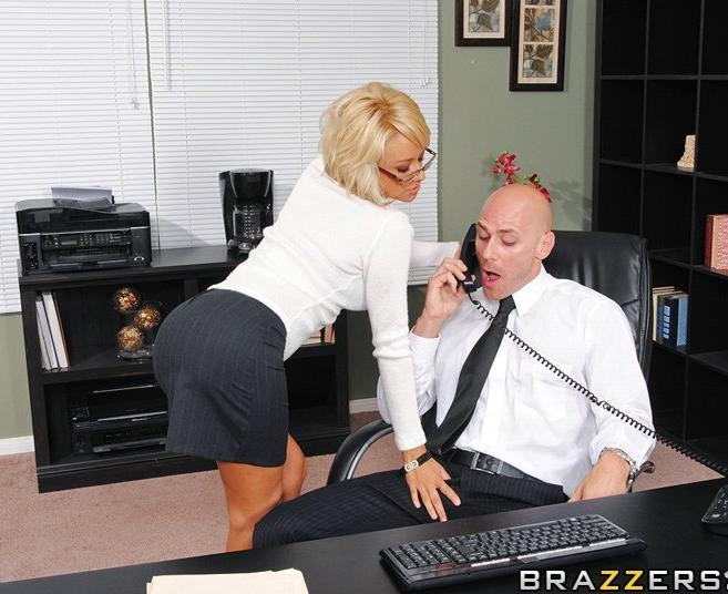 Немецкая секретарша и уу босс — pic 8