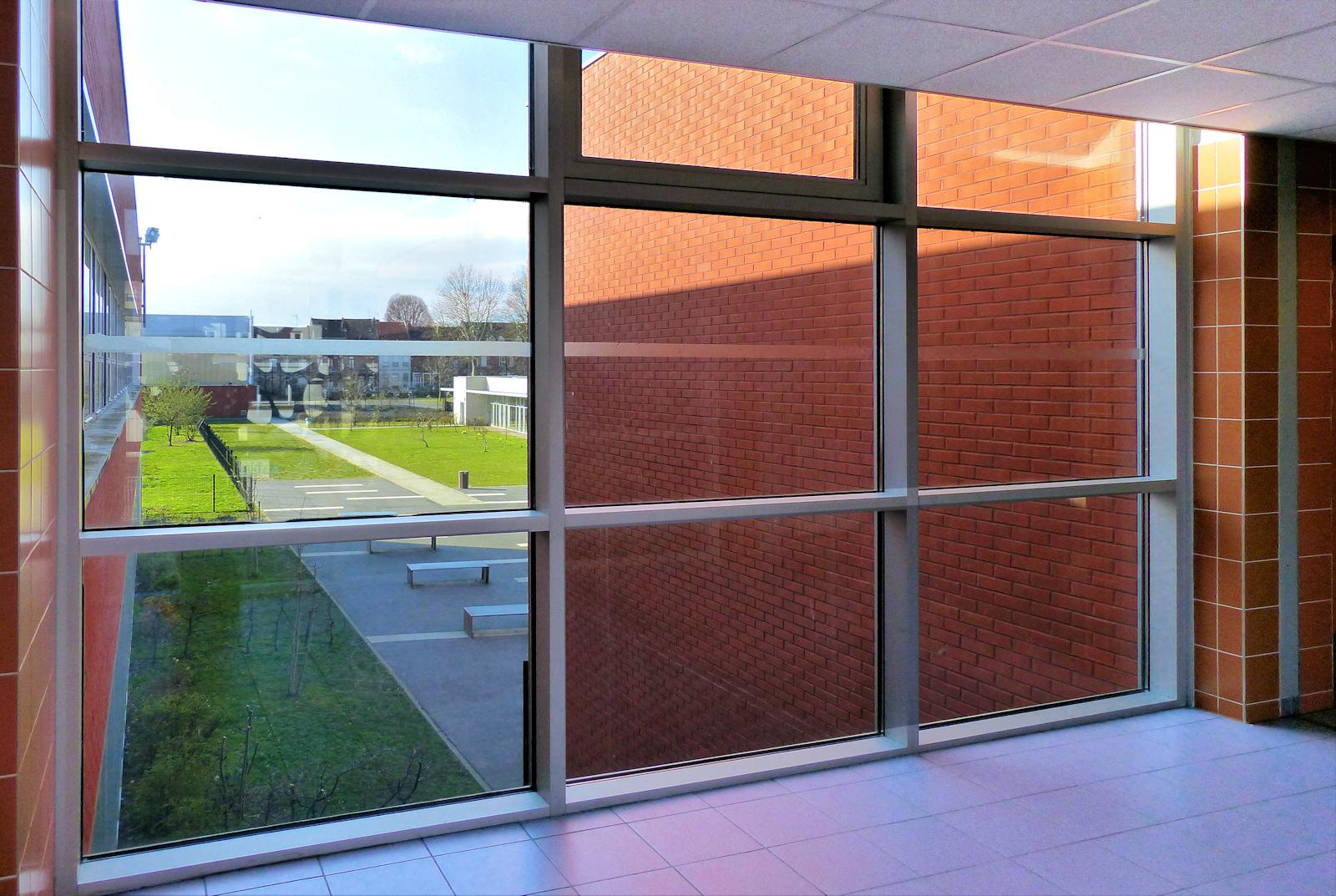 Baies vitrées couloirs Marie Curie