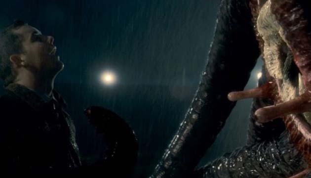 Monster Raksasa Ular Islandia