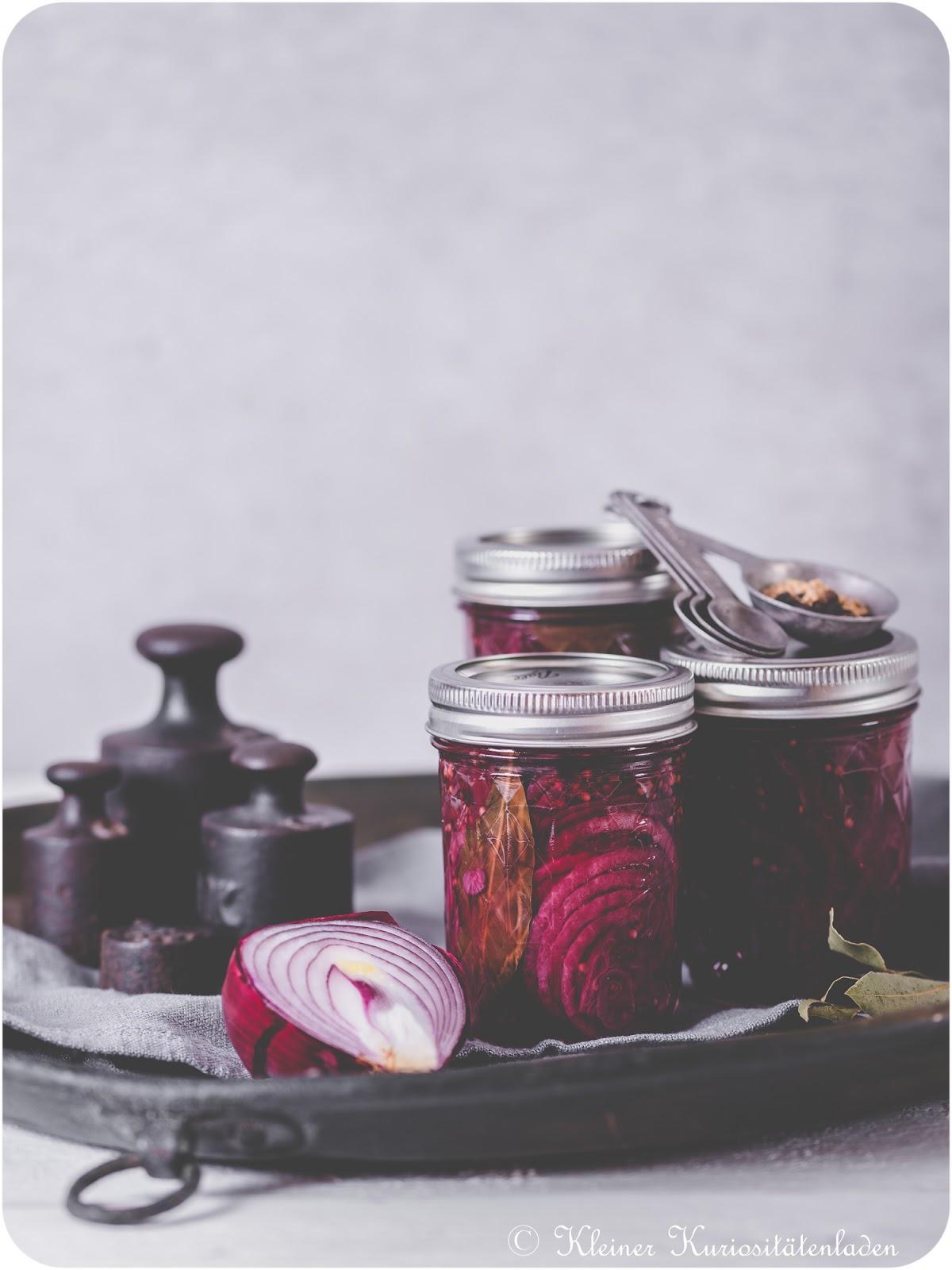 Kleiner Kuriositätenladen: Gepickelte rote Zwiebeln