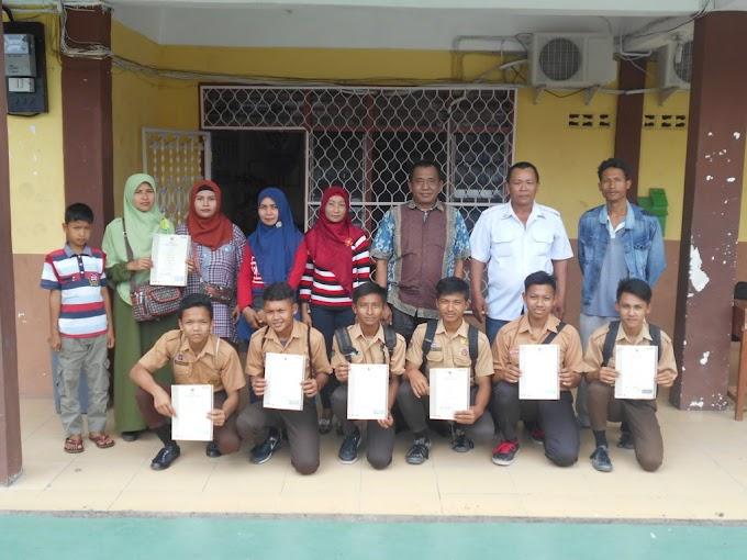 Siswa SMK Swasta Persiapan Pematangsiantar Mendapatkan Sertifikat BSNP