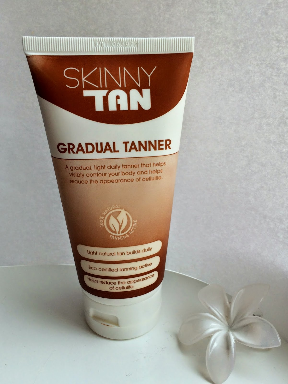 skinny-tan-gradual-tanner-review