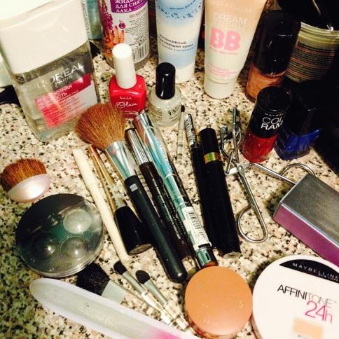Oily Skin Makeup Tips to Keep Looking Fresh Makeup