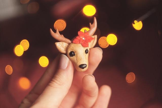 Renifer broszka i kartka świąteczna