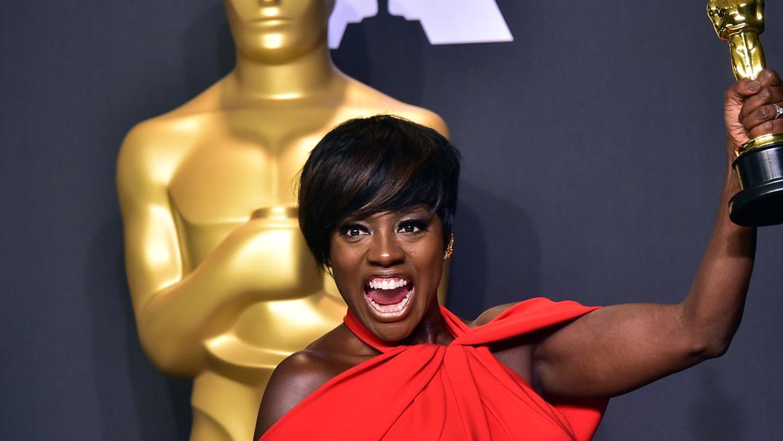 """A premiação ouviu a demanda popular, reconhecendo trabalhos como """"Moonlight"""" e da atriz Viola Davis, mas o racismo não acaba aqui."""