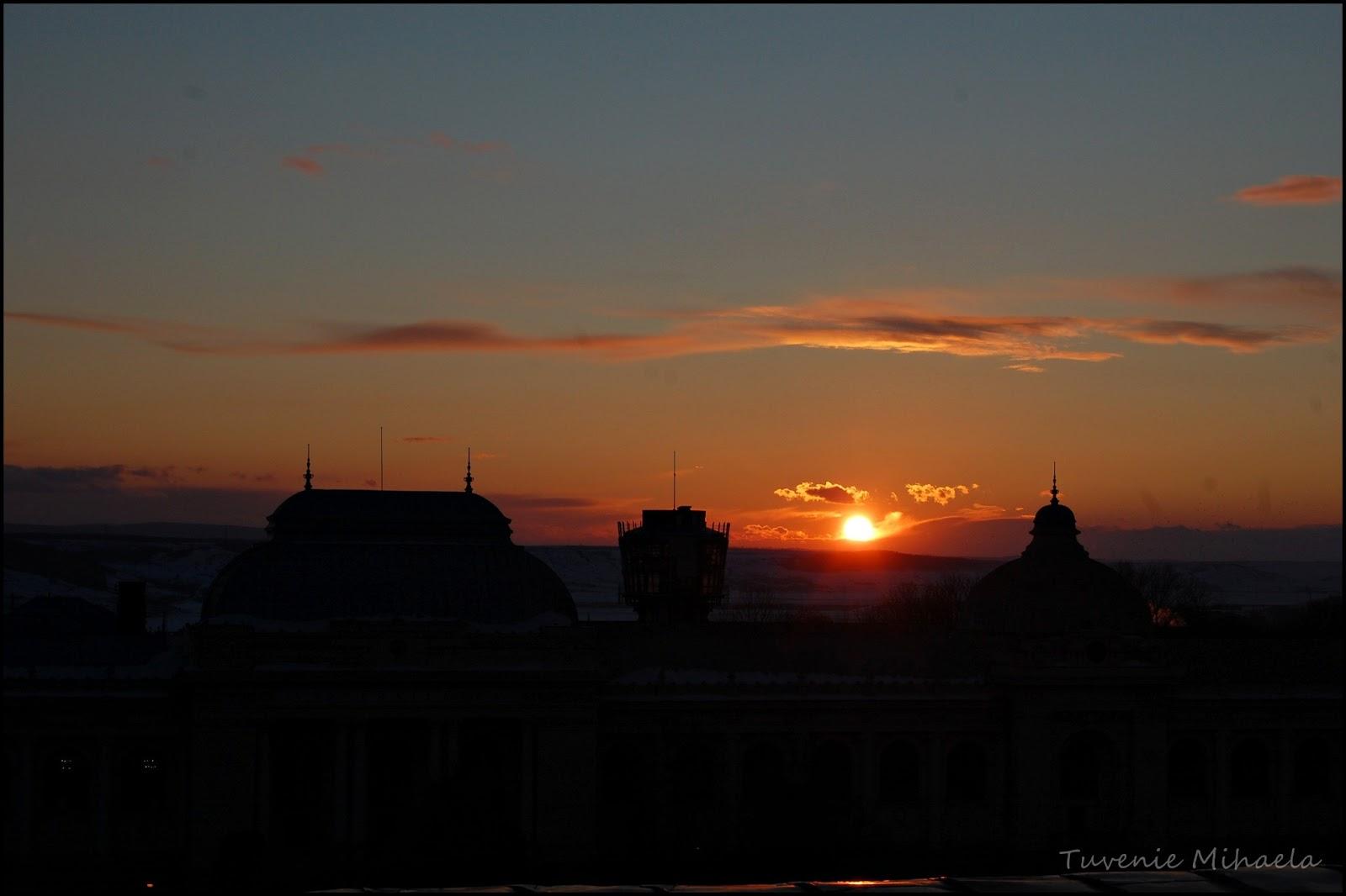 Soarele răsare roşu şi tot roşu el apune Omul bun în zile