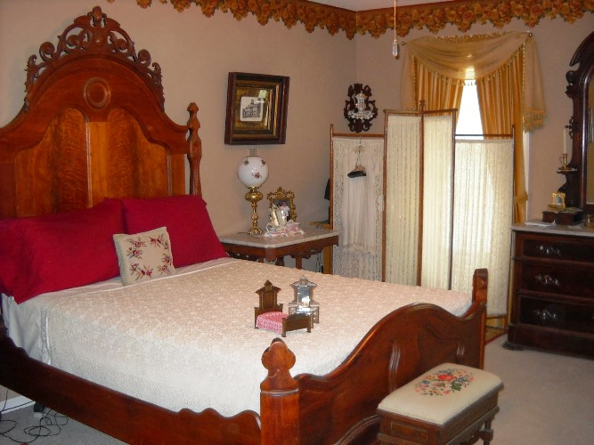 VICTORIAN Era Bedroom FURNITURE Wood Elegant Design Ideas