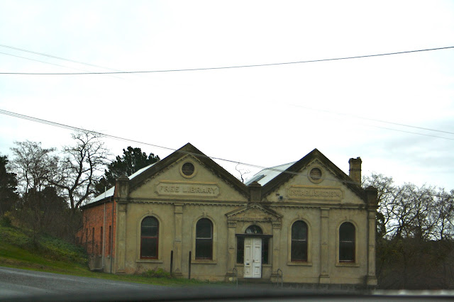 Clunes Free Library